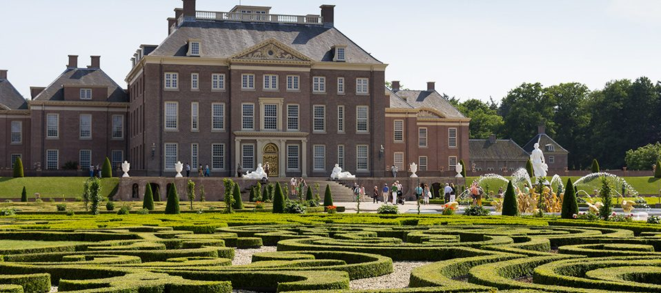 Glorious Gardens And The The Golden Age Of Dutch Art